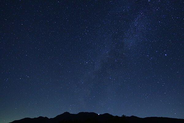 八ヶ岳と星空