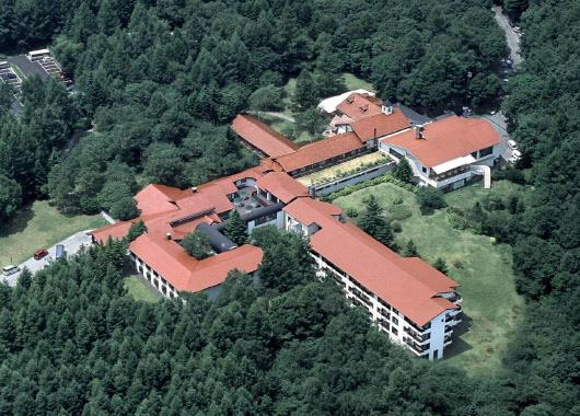 リゾートホテル 八ヶ岳高原ロッジ